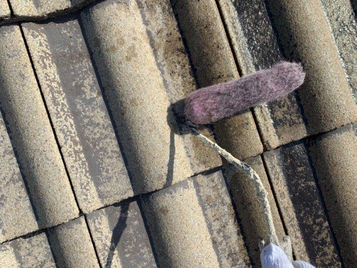 ④屋根下塗り 一回目