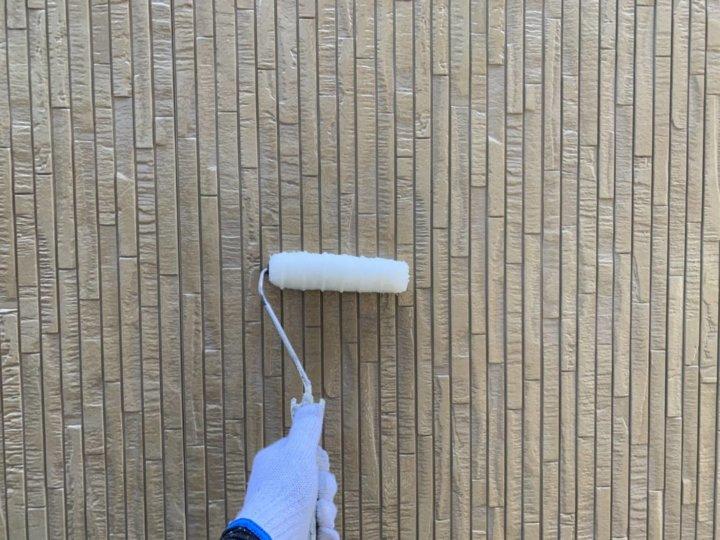 ⑰外壁玄関上塗り 一回目