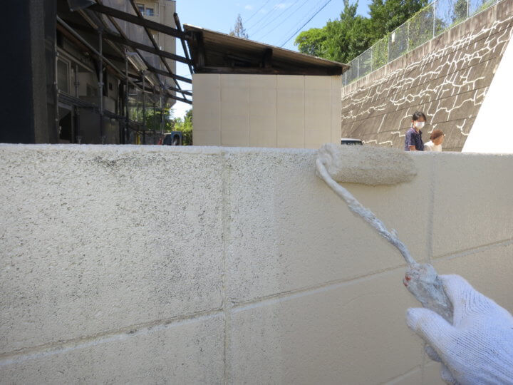 ⑭外塀上塗り 一回目