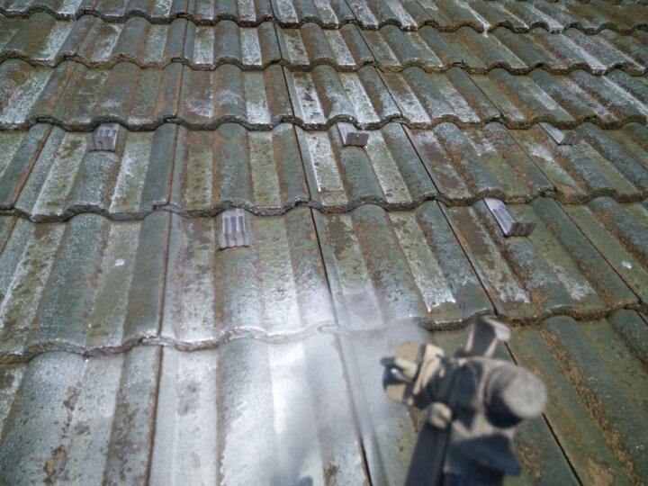 ④屋根下塗り