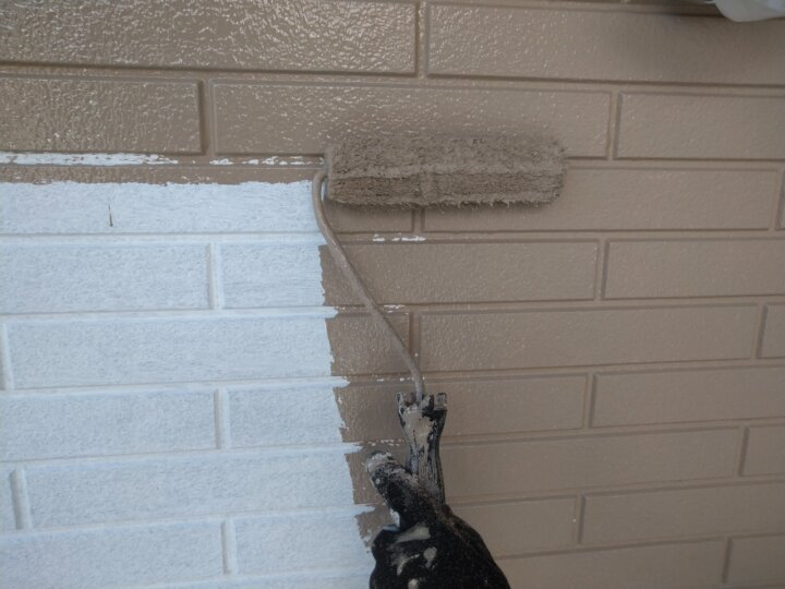 ⑮一階外壁上塗り 一回目