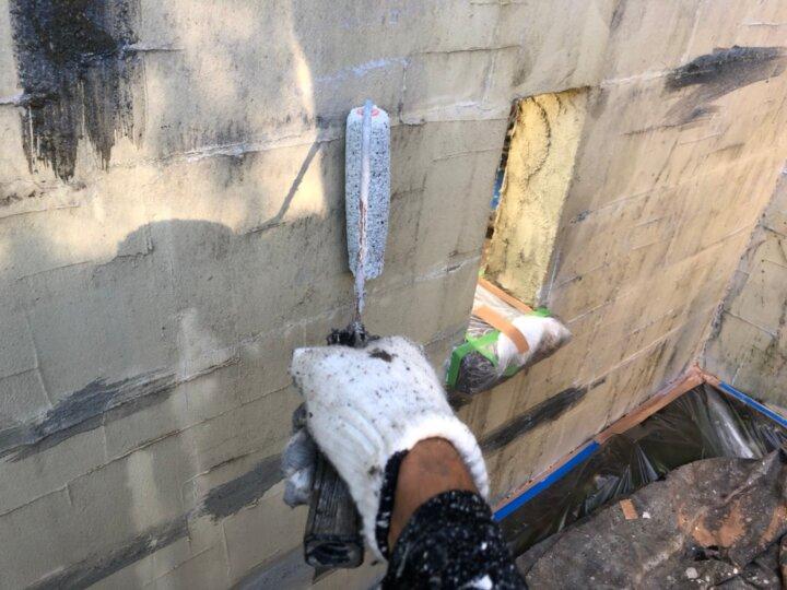 ⑱外塀下塗り