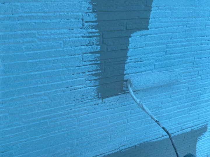 ⑯外壁下塗り