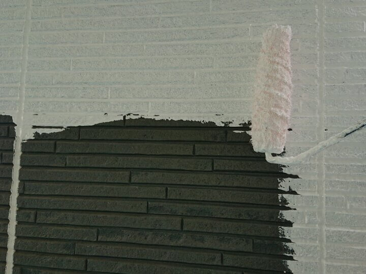 ⑰外壁下塗り
