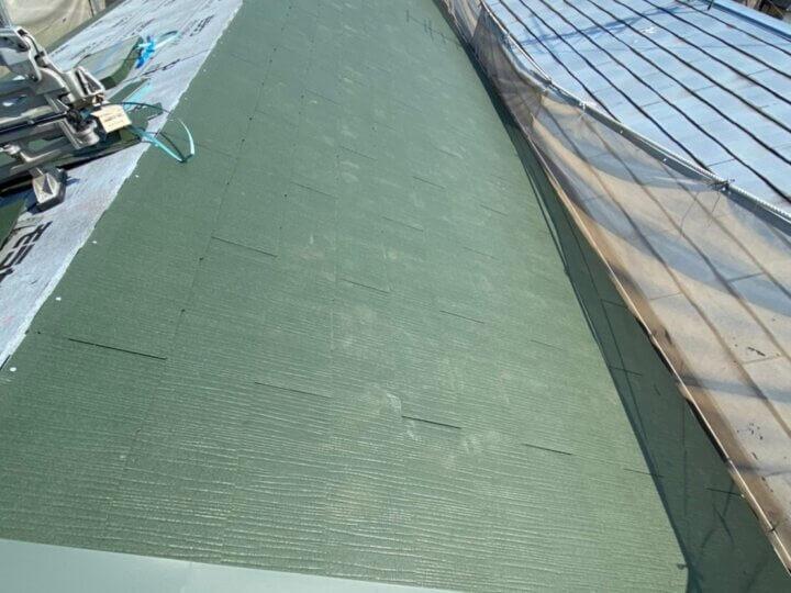 ④瓦敷き(屋根葺き替え工事)