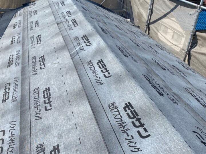 ③ルーフィング敷き(屋根葺き替え工事)