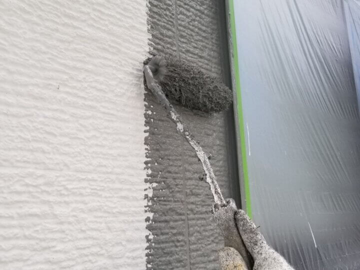 ⑨外壁上塗り 一回目(SR-428)